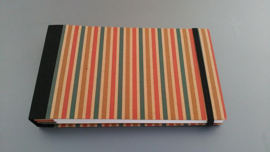 Cuaderno a rayas notebook encuadernación bookbinding 100x100 experimental